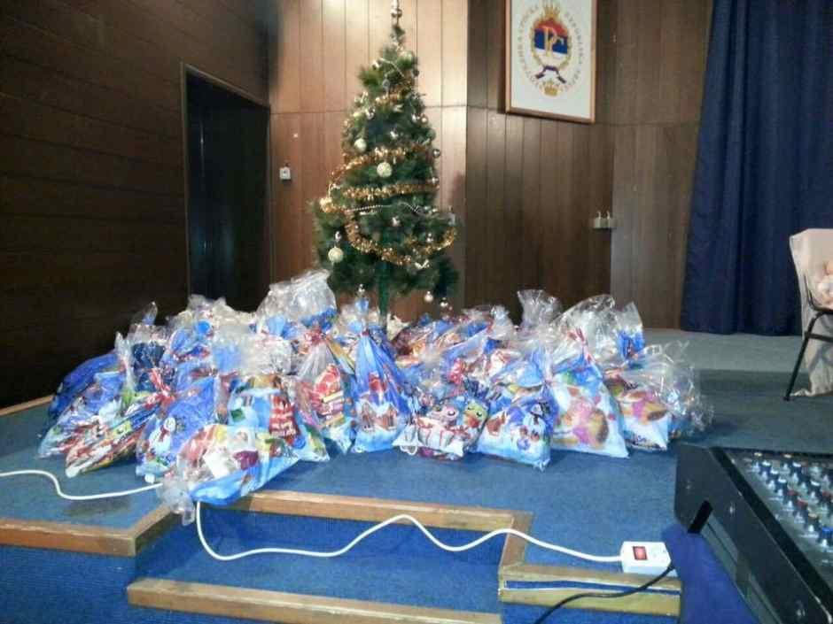 2015-12-21 HO SZM PAKETICI ZA SOCIJALNO UGROŽENU DJECU (6)
